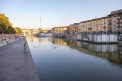 Darsena, Mediolański miasto, lato noc koloru córek wizerunku matka dwa Fotografia Stock