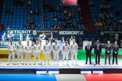 Darstellung von Konkurrenten auf Meisterschaft der Welt beim Fechten Lizenzfreie Stockbilder