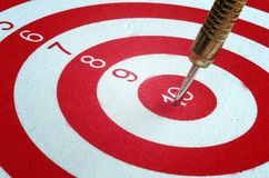 Free Dart Arrow Hitting In The Targe Royalty Free Stock Photos - 69988958