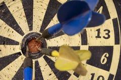 Dartboard â Vorderansicht über Stier-Auge Lizenzfreie Stockfotografie