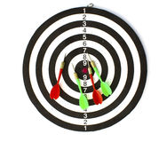 dartboard βέλη που απομονώνονται Στοκ Φωτογραφία