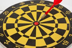 Dartboard and arrow Royalty Free Stock Images