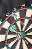 Dartboard en pijlen Royalty-vrije Stock Foto's