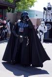 Darth Vader en los fines de semana de Star Wars en el mundo de Disney Imagenes de archivo