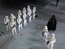 Darth Vader et chiffre brutal dans Ani-COM et des jeux Hong Kong 2015 photo stock