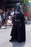 Darth Vader på Star Wars tillbringar veckoslutet på den Disney världen Arkivbilder