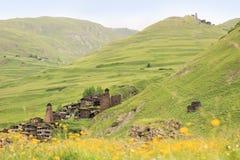 Dartlo och Kvavlo byar Tusheti region (Georgia) royaltyfri fotografi