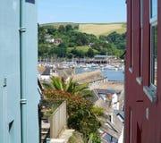 Dartmouth, Devon, Ansicht zwischen bunte Gebäude Lizenzfreie Stockfotos