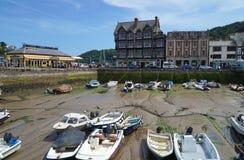 Dartmouth, Devon, barche in porto a bassa marea Fotografia Stock Libera da Diritti