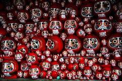 Daruma ou boneca boa-sorte vermelho-pintada em Japão Imagem de Stock Royalty Free