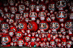 Daruma of rood-geschilderde goed-gelukpop in Japan royalty-vrije stock afbeelding
