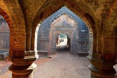Darwaja adolescente de un arco del fuerte de Panhala, Kolhapur, maharashtra Foto de archivo libre de regalías