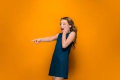 Das überraschte jugendlich Mädchen Stockbilder