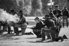 Días 6 de la guerra civil de Huntington Beach - fuego de la carabina Foto de archivo libre de regalías