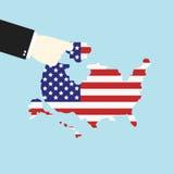 Das Abstimmungskonzept, das eigenhändig Laubsäge setzen oder das Puzzlespiel addieren USA Stockfoto