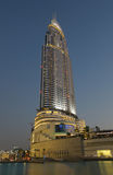 Das Adressen-Hotel belichtet nachts, Dubai Lizenzfreie Stockbilder