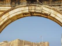 Das Adrianou-Tor bis zum Nacht in Athen Lizenzfreie Stockfotos