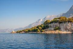 Das adriatische seacoat, Makarska-Bucht, Kroatien Stockfotografie