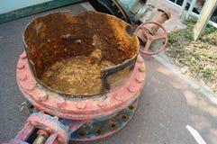Das alte Abwasserrohr Stockfotografie