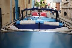 Das alte, blaue Auto von der Rückseite, Havana Cuba Lizenzfreies Stockbild