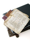 Das alte Buch und der Laptop Lizenzfreie Stockfotografie