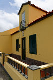 Das alte Haus auf Azoren stockbild