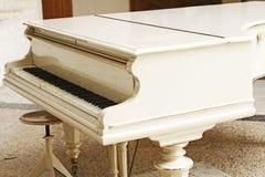 Das alte Klavier. Lizenzfreies Stockfoto