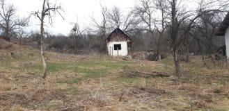 Das alte landwirtschaftliche Haus stockbild