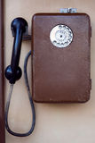 Das alte Straßentelefon des Münztelefons Lizenzfreies Stockfoto