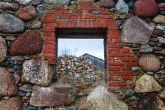 Das alte Wandfenster Stockfoto