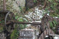 Das alte Wassermühlerad Stockbilder