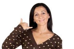Das attraktive Mädchensagen rufen mich an Lizenzfreies Stockbild