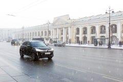 Schneesturm in St Petersburg Lizenzfreies Stockbild