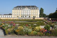 Das Barock Augustusburg-Schloss ist eine der ersten wichtigen Schaffungen von Rokokos in Bruhl nahe Bonn stockbild