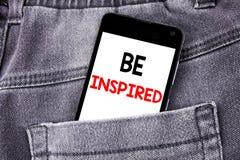 Das Begriffshandschrifttexttiteldarstellen wird angespornt Geschäftskonzept für Inspiration und Motivation geschriebenes beweglic lizenzfreie stockfotografie