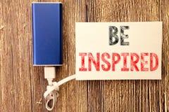 Das Begriffshandschrifttexttitelinspirationsdarstellen wird angespornt Geschäftskonzept für Inspiration und Motivation geschriebe lizenzfreie stockbilder