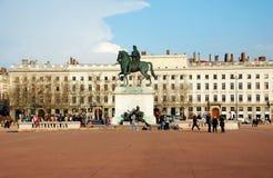 Das Bellecour Quadrat in Lyon. Statue von Louis XIV. Stockfotografie