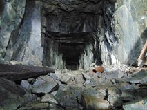 In das Bergwerk lizenzfreies stockbild