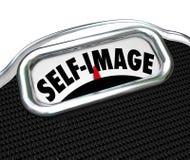 Das bewusste Skala-Anzeigen-Selbstbild verlieren Gewicht Lizenzfreies Stockbild