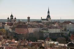 Das Bild der mittelalterlichen Festungswand der alten Stadt von Tallinn Lizenzfreie Stockfotos