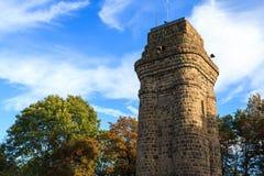 Das Bismarckturm im botanischen Garten Stockfotos