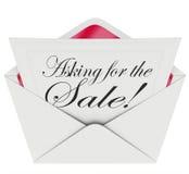 Das Bitten um die Verkaufs-Umschlag-Buchstabe-Mitteilungs-Verkäufe nah behandeln Lizenzfreies Stockfoto