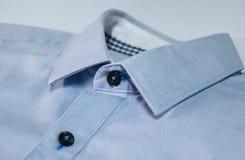 Das blaue Hemd Stockfotos