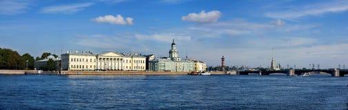 Das blaue St Petersburg Stockfotos