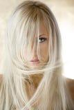 Das blonde Mädchen lizenzfreies stockfoto