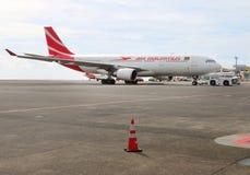 Das Boeing B777 300/200 LR Air Mauritius Stockfoto