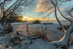 Das Boot im Eis Lizenzfreie Stockfotografie
