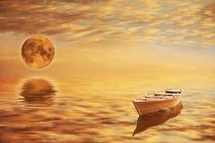 Das Boot und der Mond lizenzfreie stockbilder