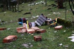 Das boxex und der Abfall von den Feuerwerken gestern Abend Lizenzfreie Stockfotos