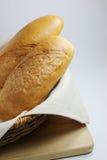 Das Brot im Korb Lizenzfreie Stockfotografie